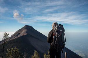 在雲層之上的瓜地馬拉火山群