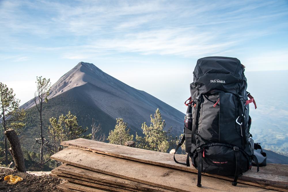 結構堅韌、使用彈性大的Yukon 50+10 經典專業登山背包