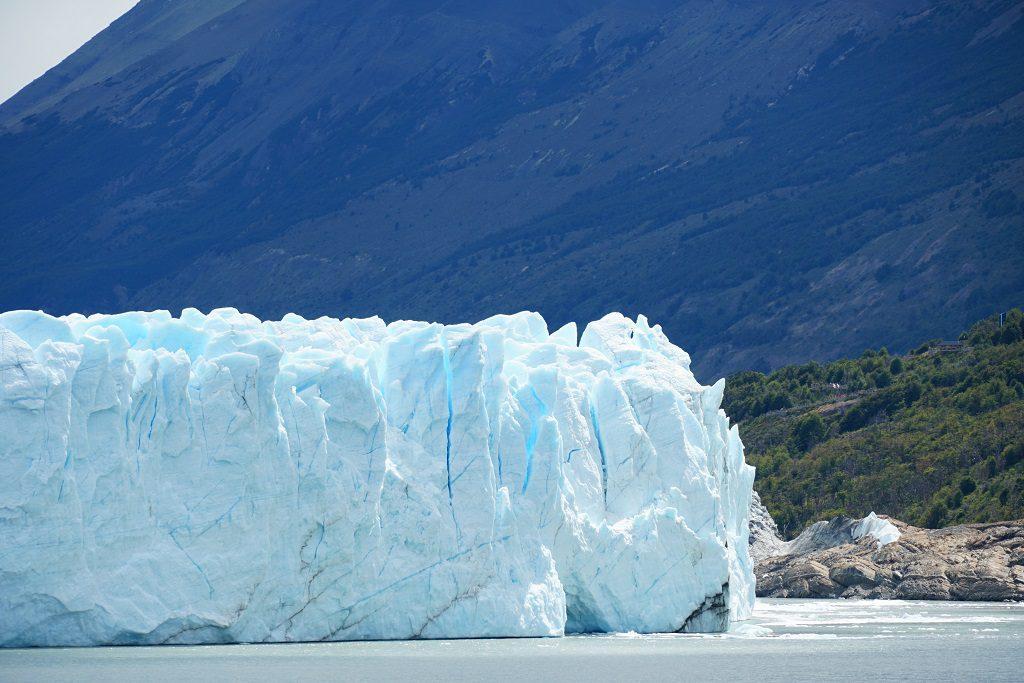 崩毀中的莫雷諾冰川
