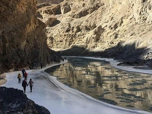 Chadar Trek 山谷