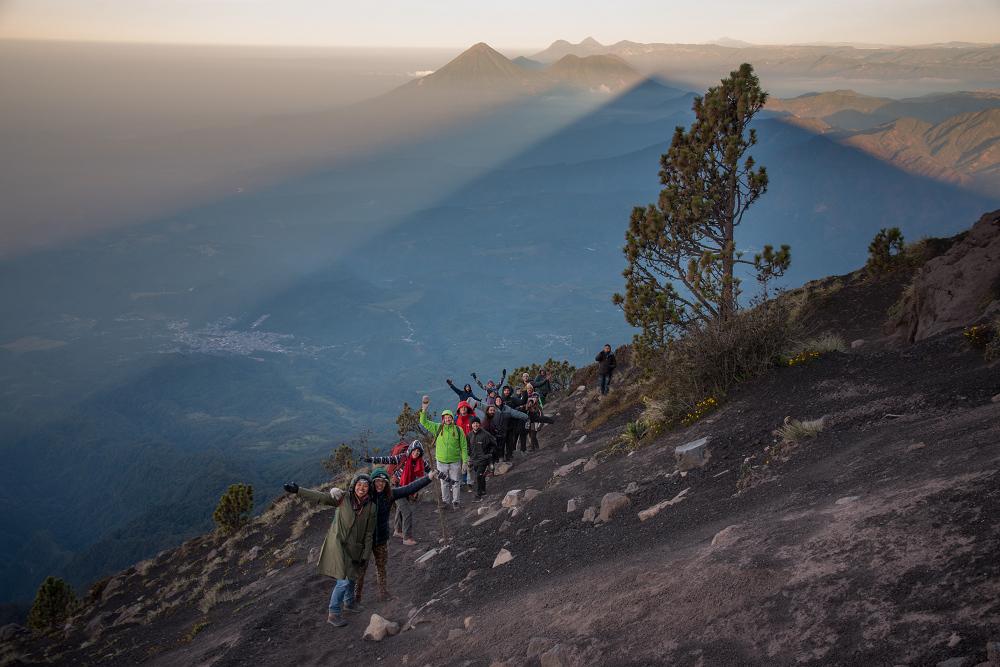 瓜地馬拉火山上的山友