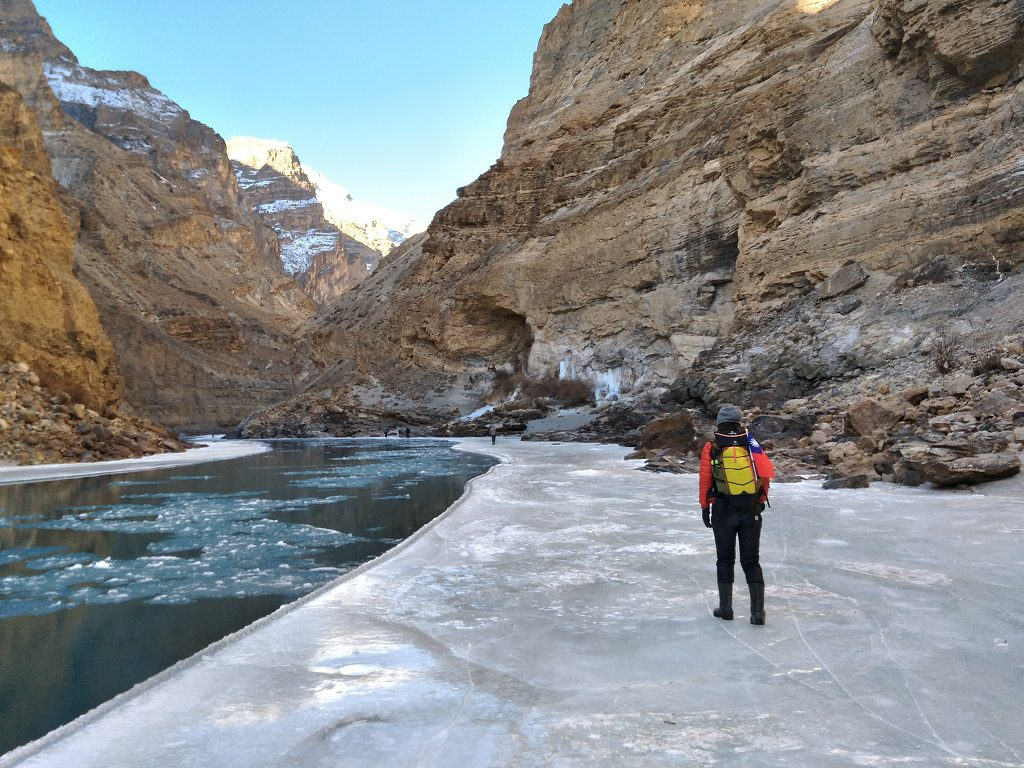 walking on the ice on Chadar Trek
