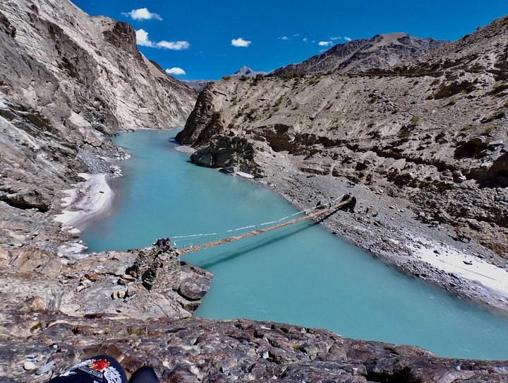 Zanskar湍流上的橋