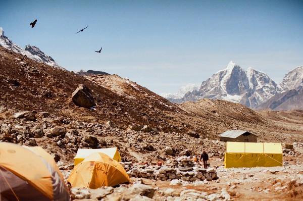 永難忘懷的怦然心動:孤懸冰河的島峰
