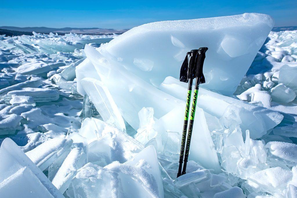 雪地與Fizan登山杖