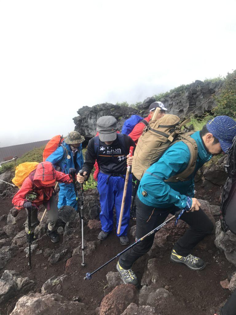 攀爬富士山