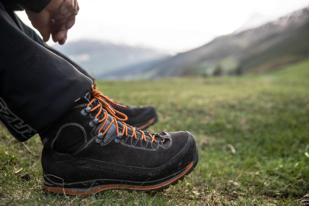 登山鞋鞋底材質