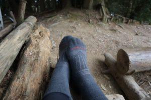 【登山羊毛襪】icebreaker羊毛襪真的不會臭?雪山主東兩天一夜實測分享
