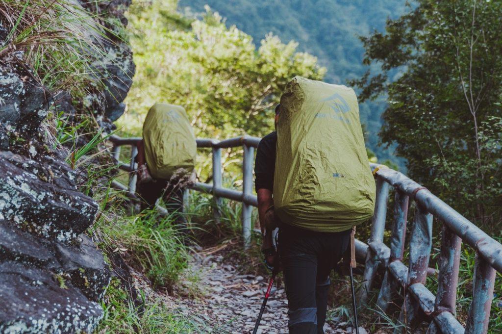 登山包防水打包
