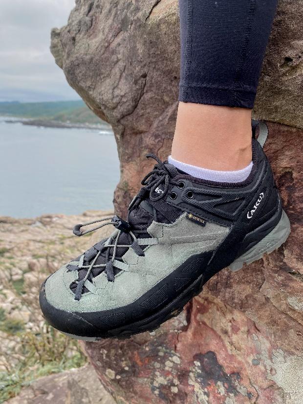 AKU ROCK攀岩登山鞋 的DFS鞋帶系統